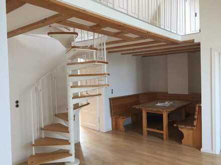 5 Zimmer über 2 Etagen, 5 m hohes Atrium, ein TRAUM!
