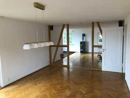 Helle sanierte 5-Zimmer-Wohnung über 2 Etagen mit Balkon und Einbauküche in Freudenstadt