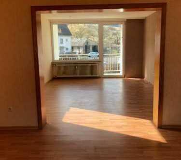*Lichtdurchflutete 4-Zimmer mit 2. Balkonen suchen neuen Mieter *