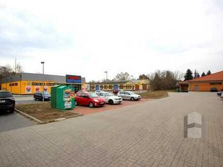 Gewerbegrundstück und Lagerhallen zu verkaufen
