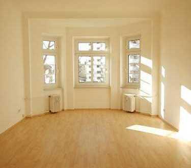 schöne und helle 3 Zimmer-Wohnung !