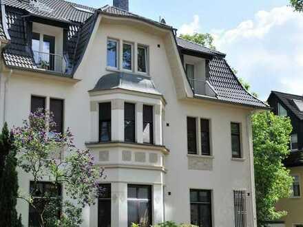 Exklusive großzügige Maisonette Wohnung in renovierter Jugendstilvilla in Essen-Bredeney