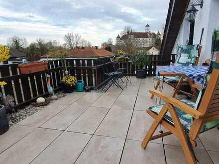 Gepflegte 3-Zimmer-Wohnung mit 2 Balkonen, Badewanne und Dusche und Einbauküche in Höchstädt