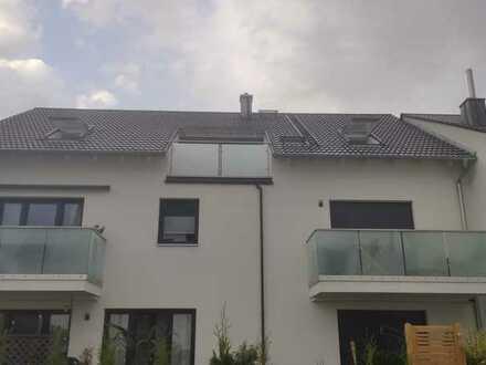 Großzügige neue 3-Zimmer-DG-Wohnung mit Balkon