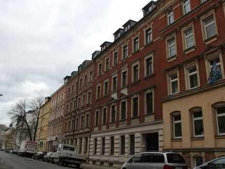 Tolle 2 Zimmer DG- Wohnung mit 62m²,dunkles Laminat,Bad mit Wanne