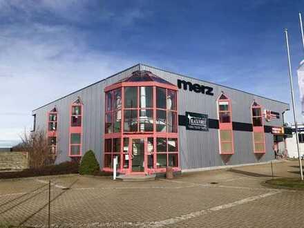 Geschäftshaus mit Verkaufsräumen / Ausstellungs- und Lagerflächen in Freudenstadt