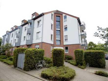 Neuss-Meertal:3-Zim.-Whg. mit Balkon, saniertem Gäste-WC und Duschbad, Aufzug u. TG-Stellplatz