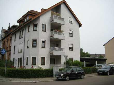 Gepflegte 3-Raum-Erdgeschosswohnung mit Balkon und Einbauküche in Speyer