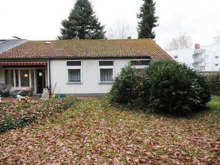 Eckbungalow mit großem Gartengrundstück Nürnberg - Nähe Süd-Klinikum / Haus kaufen