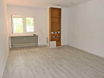 5954 - Zimmer in Wohngemeinschaft an Studenten zu vermieten!