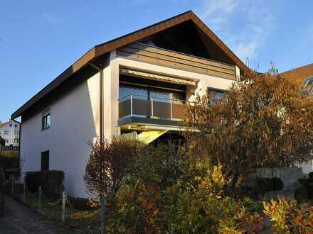 Gepflegte Wohnung mit vier Zimmern sowie Balkon und EBK in Schwieberdingen