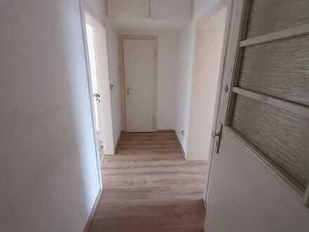 Neues Badezimmer!!! Schöne helle Wohnung in Bahnhofsnähe zu vermieten!