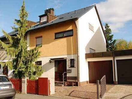 Ab sofort verfügbar: gepflegte Doppelhaushälfte mit Garage in ruhiger Lage von N.-Boxdorf