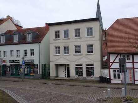 Schöne drei Zimmer Wohnung in Rügen (Kreis), Bergen auf Rügen, hell, Zentrum