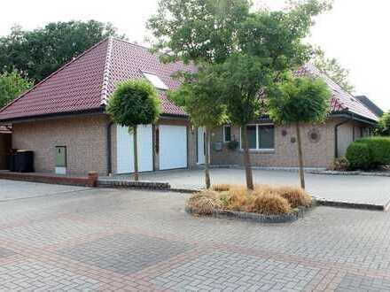 ***Europa-Makler*** Luxuriöses Einfamilienhaus mit Doppelgarage gelegen in Alstätte.