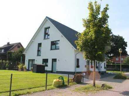 Neue Doppelhaushälfte in Eppendorf: Idyllisches Familienparadies