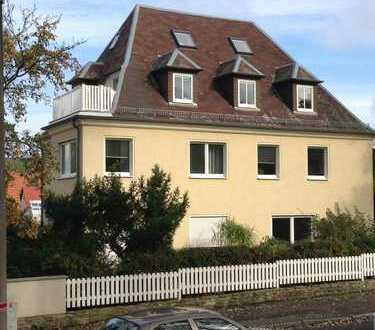 Lichtdurchflutete 3-Zimmer-Dachgeschoss-Wohnung mit Balkon in Dresden