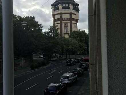 Zentral gelegene helle 2 Zimmerwohnung mit Blick auf das Wahrzeichen der Stadt.