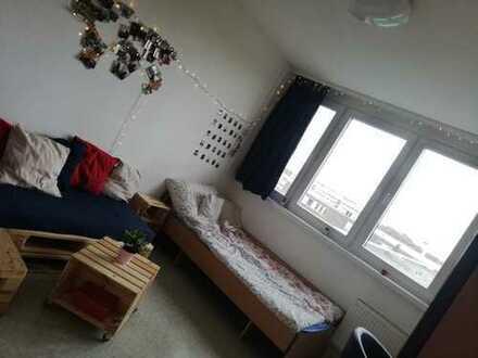 Schönes WG-Zimmer im Studentenwohnheim in Zentrumsnähe