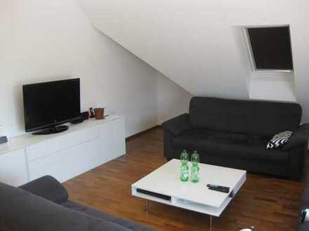 Traumhafte Penthaus-Maisonette Wohnung mit Dachterrasse, Balkon und zwei Pkw-Stellplätzen.
