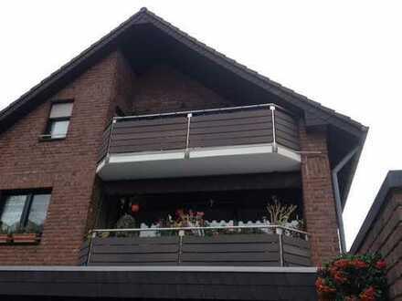 Freundliche 3-Zimmer-DG-Wohnung mit Balkon in Krefeld-Hüls