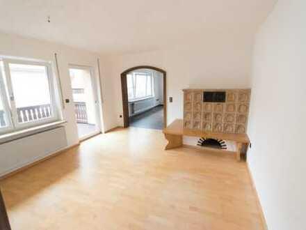 Attraktive 5,5-Zimmer-Wohnung mit Balkon in Pyrbaum