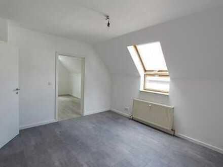 SCHWIND IMMOBILIEN - Frisch renovierte 2-Zimmerwohnung in modernem Stil