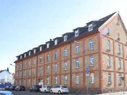 Wohnen im Denkmal mit Domblick: frisch renovierte und zentrumsnahe DG-Wohnung