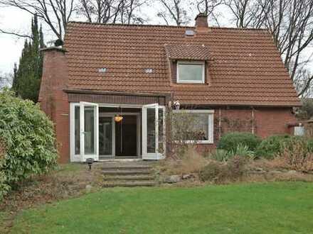Einfamilienhaus mit Baugrundstück in gefragter Lage