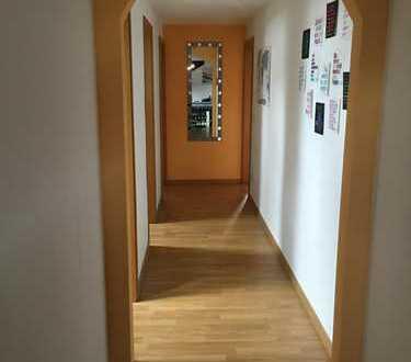 Helles 18qm Zimmer in 80qm 2er-WG