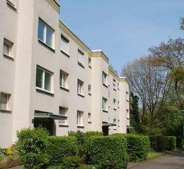 Helle, renovierte 2-Zimmerwohnung mit Balkon im 1.OG.in Duisburg / Parklage