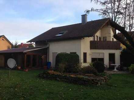 Schickes EFH in Freiberg - Hier haben auch 2 Familien Platz !!