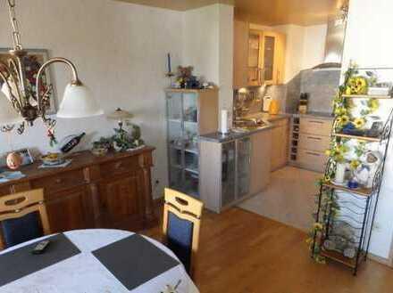 Gemütliche 6,5 Zimmer Maisonette-Wohnung in ruhiger Lage von Engstingen