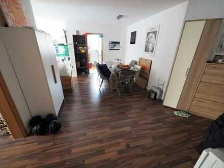 Frisch renovierte drei Zimmer Wohnung im Zentrum Filderstadt Bonlandens
