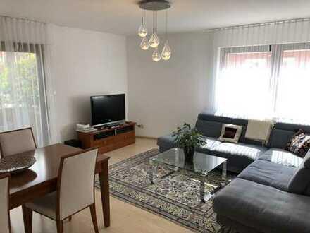 Helloe, moderne 2,5-Zimmer-Hochparterre-Wohnung mit Balkon und EBK in Bonn Beuel