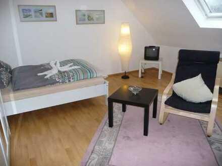 34 qm Single-Apartment, 2-Zimmer-Dachgeschosswohnung in Essen