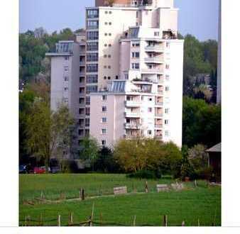 Schöne ,sonnige 2-Zimmer-Wohnung mit Balkon in Böblingen