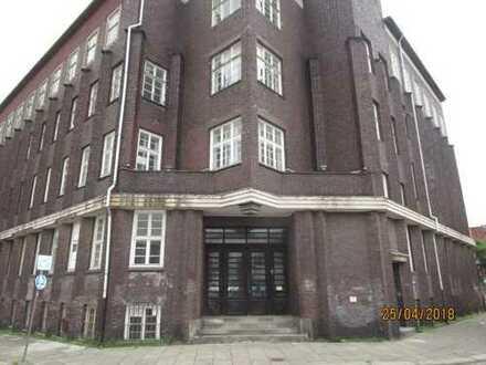 Historisches Gebäude mit Wasserblick in den Hamburger Hafen und super Verkehrsanbindung