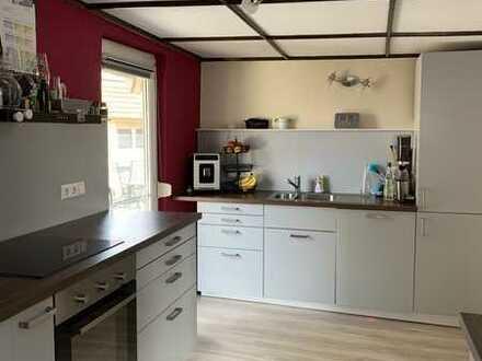Gepflegtes Einfamilienhaus mit sechs Zimmern und Einbauküche in Rheinhausen