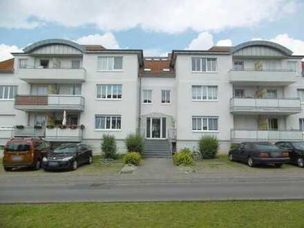 Bild_Schöne 2-Zimmer-Wohnung mit Balkon, Einbauküche und Pkw-Stellplatz