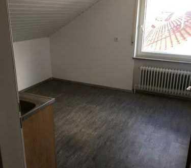 2-Zimmer Dachgeschosswohnung zu vermieten
