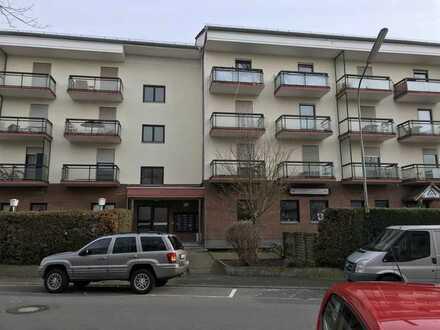 Stilvolle, vollständig renovierte 1-Zimmer-Wohnung mit Balkon und EBK in Langen (Hessen)