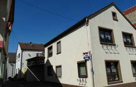 (1214) Einfamilienhaus mit Carport
