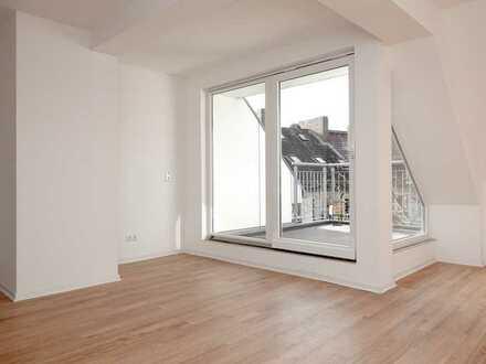 Großzügige & helle 3-Zimmer-Dachgesschosswohnung mit sonniger Loggia / Nähe Lister Meile