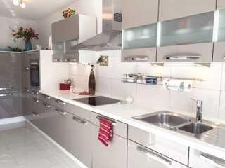 Top renovierte, helle 3-Zimmerwohnung -zum Teil möbliert-