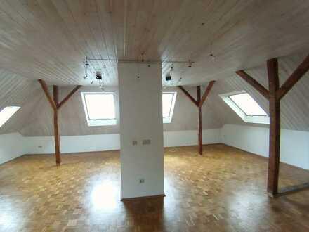 Charmante 4-Raum-Dachgeschoss-Wohnung in Gelsenkirchen