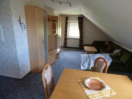 Schöne 2 ZKB mit ca. 45 m² im Dachgeschoss in Frankenberg-Rengershausen. Provisionsfrei.