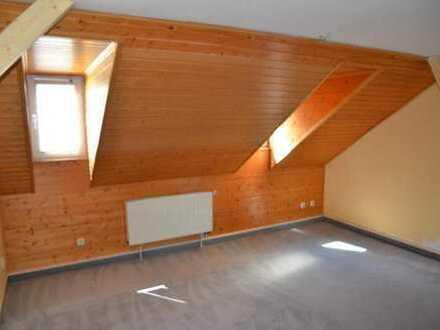 Superschöne 3-Raum-DG-Wohnung in Plauen Reusa