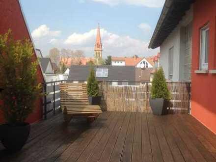 Ohne Provision ,Wunderschöne Luxus Wohnung mit zwei Bäder , Große Terrasse und Kamin