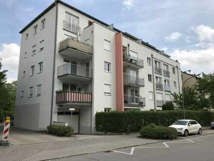 Neuwertige 2,5 Zimmer-Wohnung mit EBK in Erding-City